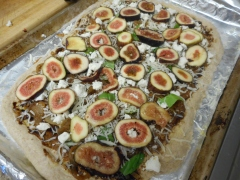 Layer over the fig slices.