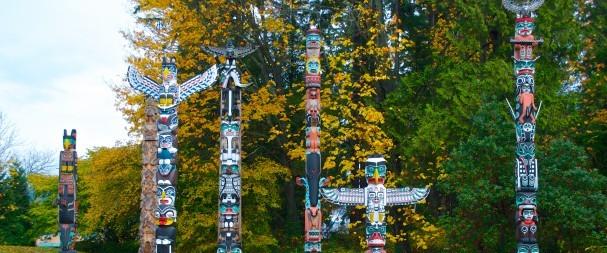 Totem-Poles-in-Stanley-Park-Al-Harvey-e1423599486353-607x253